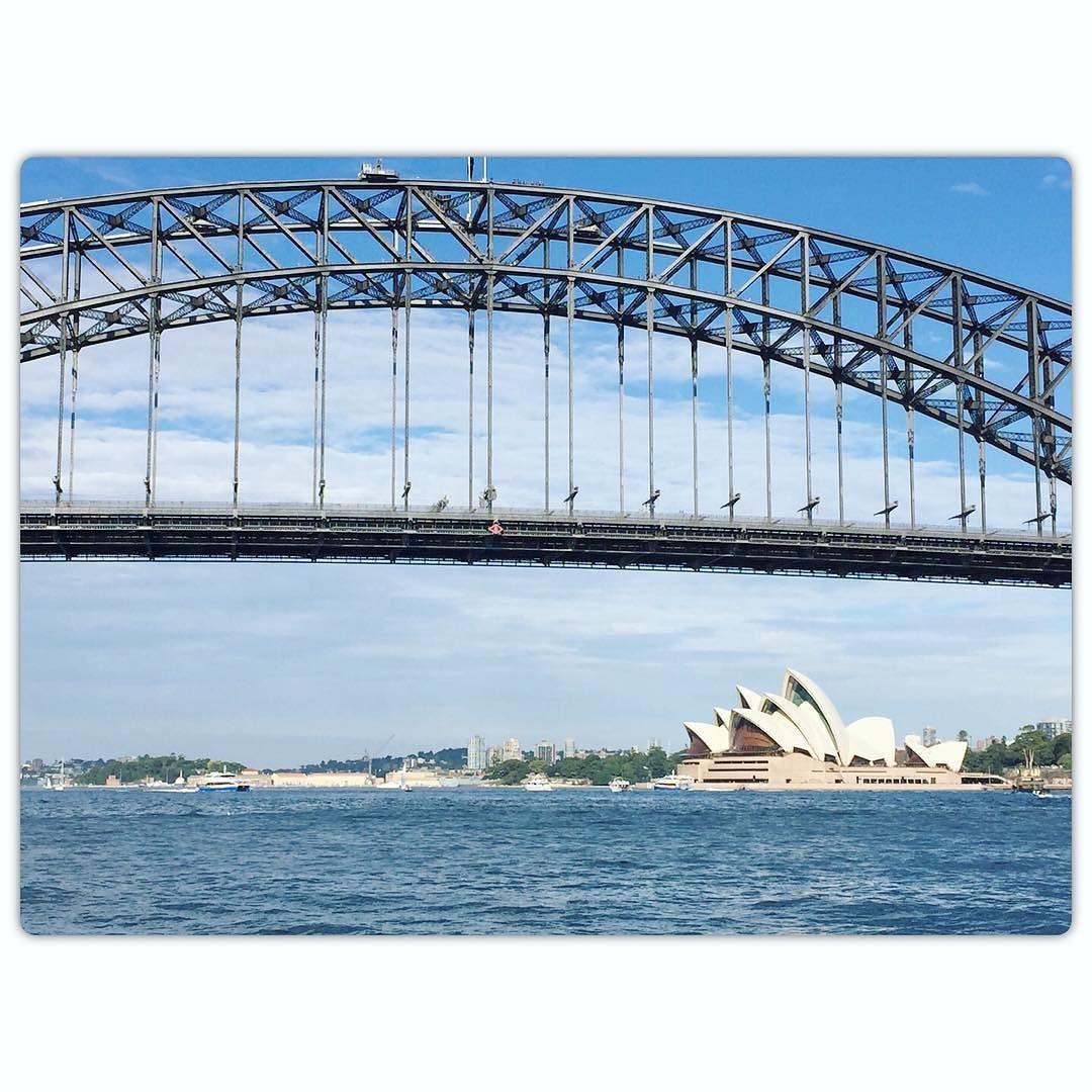 #sydneyharbourbridge #operahouse #oz #australia #aussie #sydneyferry by dyahpermatasarrii http://ift.tt/1NRMbNv
