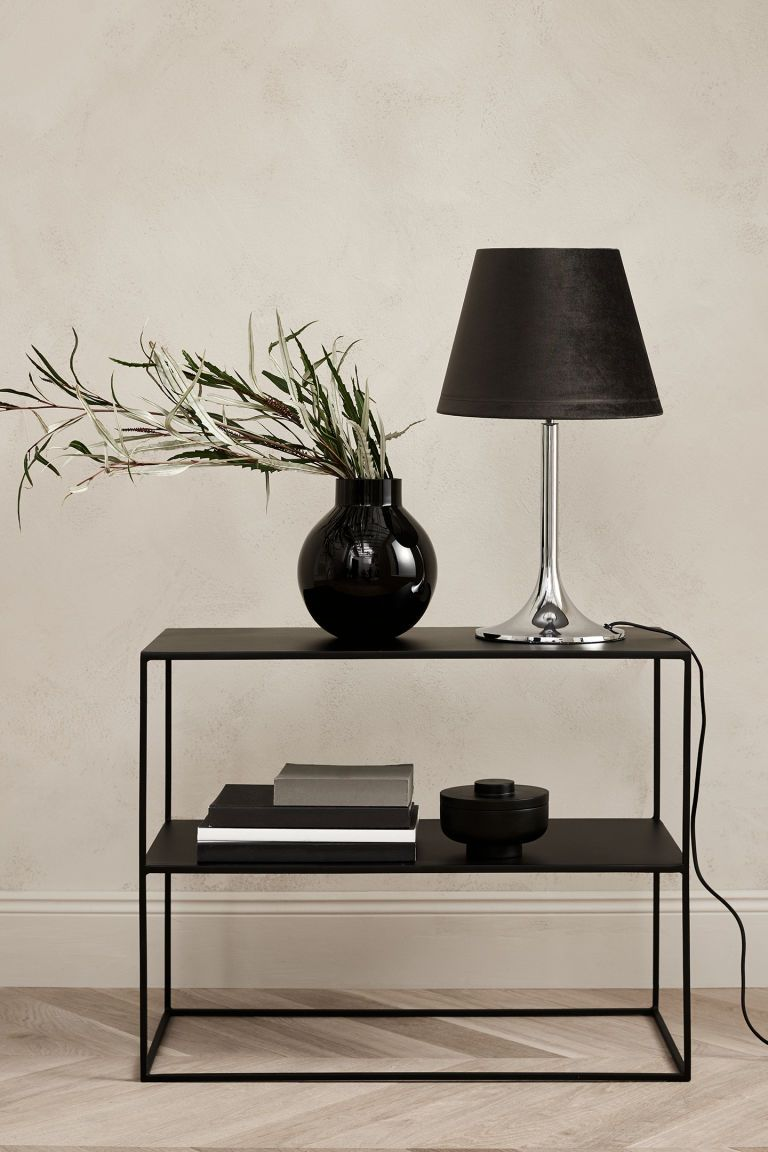 Beistelltisch Aus Metall Schwarz Home All H M De Metal Side Table Black Side Table Round Glass Vase