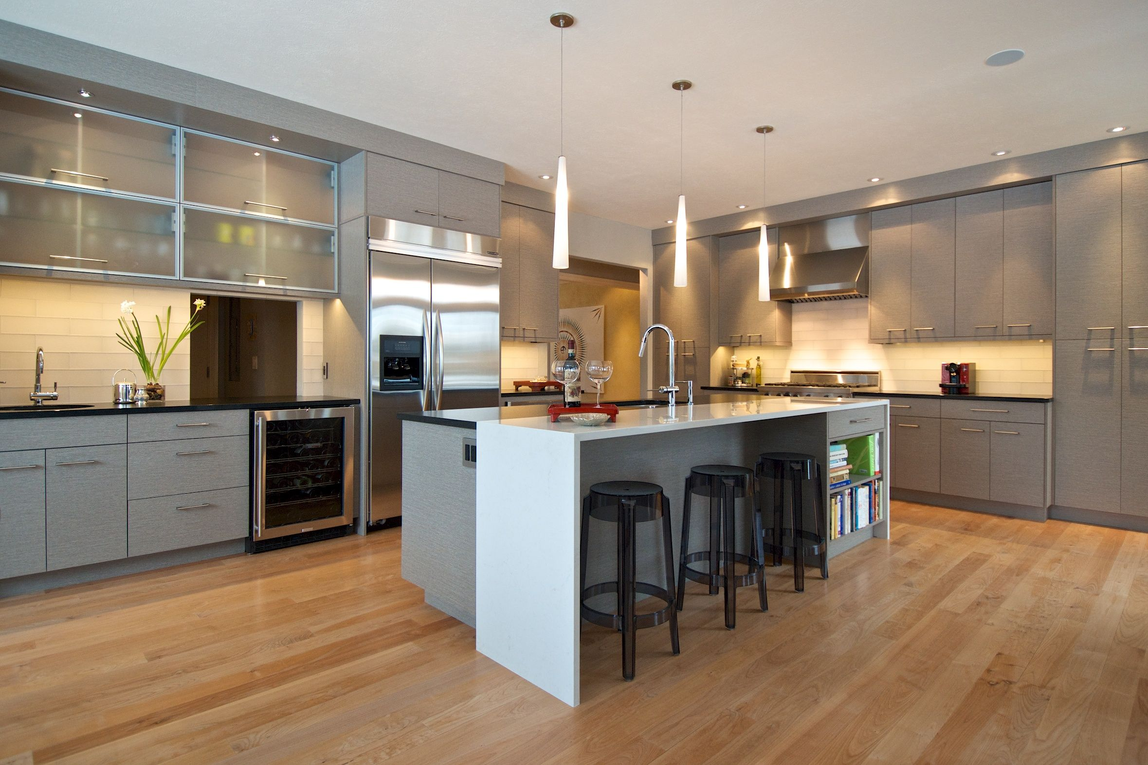 Textured Melamine Contemporary Waterfall Countertop Mcphie Cabinetry Waterfall Countertop Countertops Cabinetry