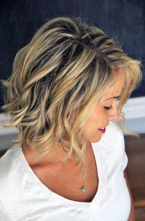 Coiffure aux cheveux courts jaunes Coiffure Haircuts