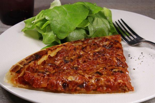 Tarte à la bolognaise ! Une recette que les enfants adorent, une tarte tomate et bœuf.