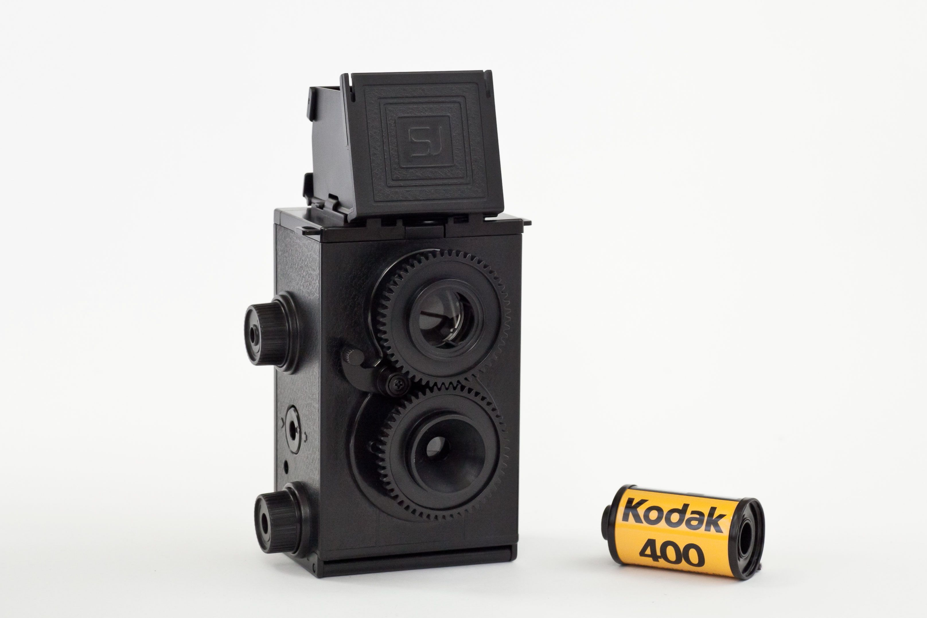 DIY Twin Lens Reflex Camera - Learn the magical mysteries of camera innards with this build-your-own-TLR kit! ($20.00, http://photojojo.com/store)