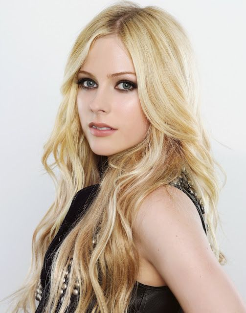 Haircuts Hairstyles Avril Lavigne Hairstyles And Hair Color Peinados Ideas De Cabello Largo Cabello