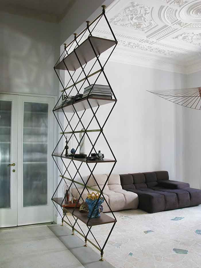 30 Freestanding Shelving Systems That Double As Room Dividers Vurni