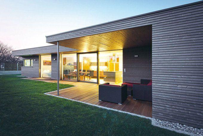 das schmale eckgrundst ck am rande eines wohngebiets in h chst mit aussicht in die landschaft. Black Bedroom Furniture Sets. Home Design Ideas