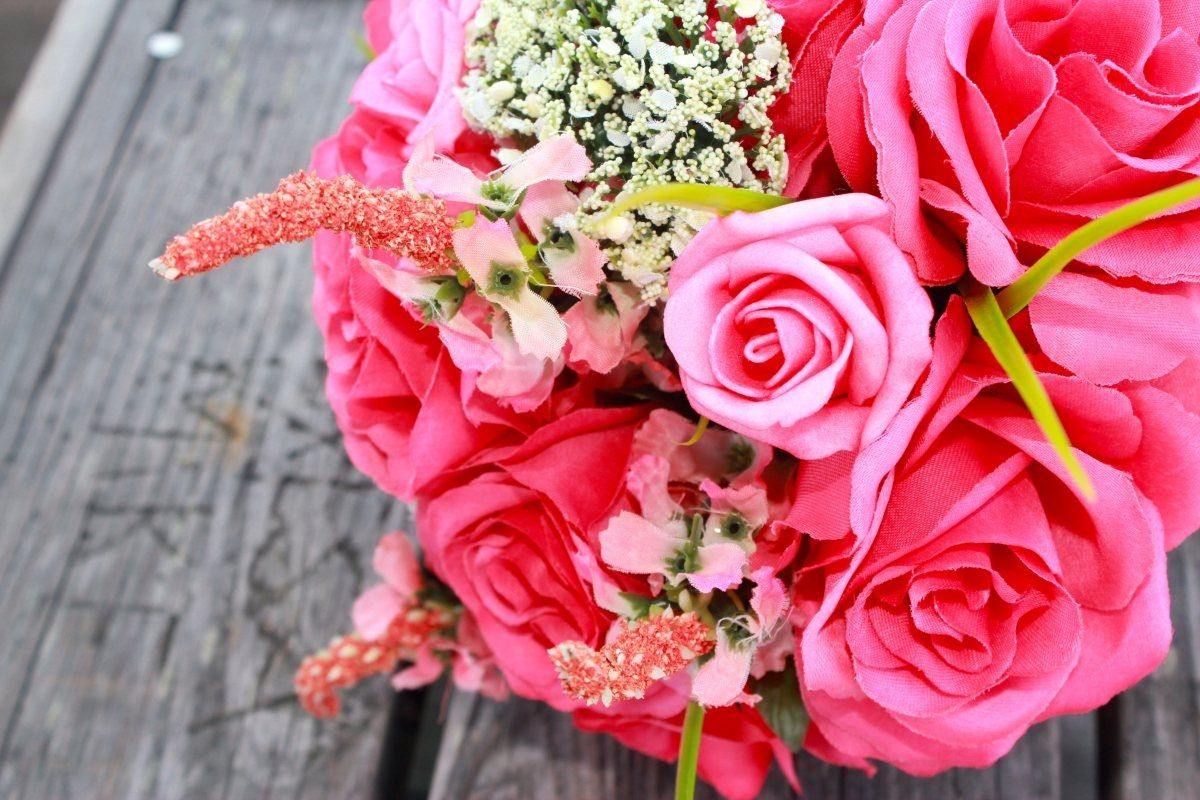 Find beauty in small things floweryquotes flowers
