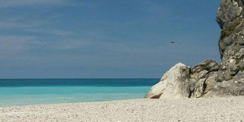 Terbaru 30 Gambar Pemandangan Pinggir Pantai Indahnya Pemandangan Gunung Dan Pantai Selatan Pulau Timor Download Pemandangan Pin Di 2020 Pemandangan Pantai Danau