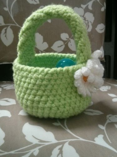 Crochet spring basket