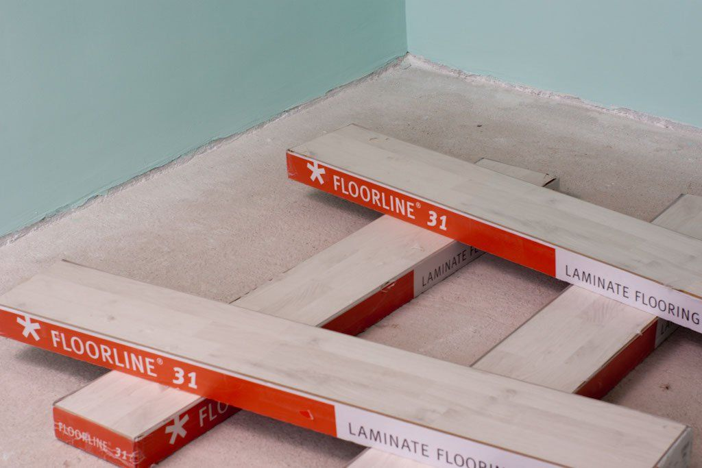 How To Lay Laminate Flooring On Concrete Laying Laminate Flooring