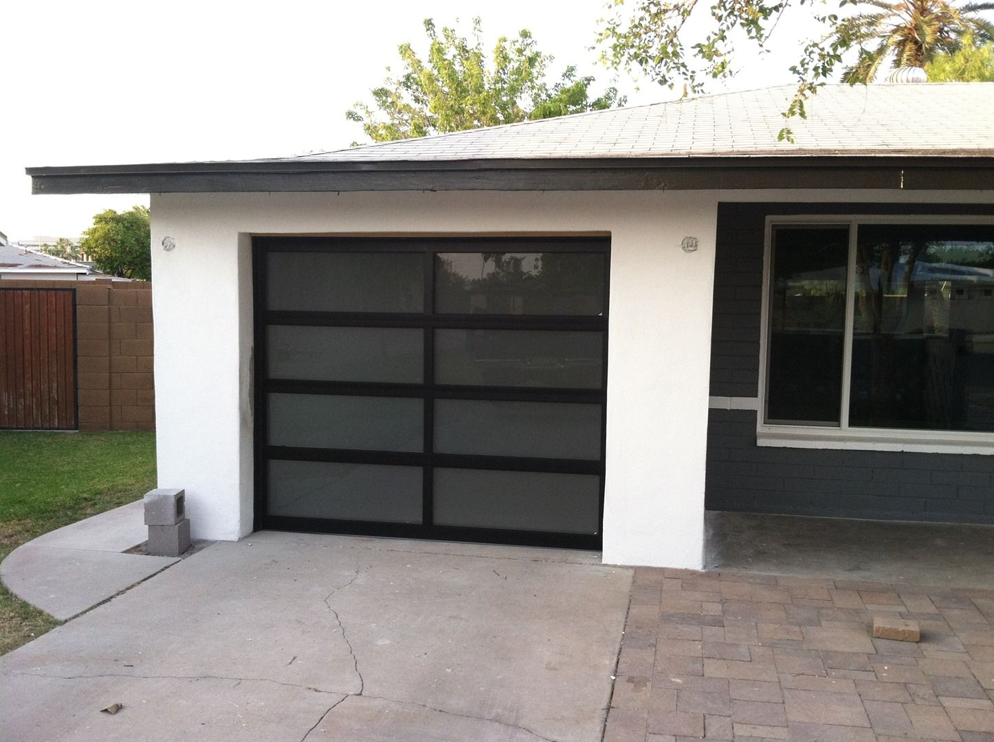 Modern garage door glass - We Are The Supplier Of Contemporary Glass Garage Doors Call Today For More Info