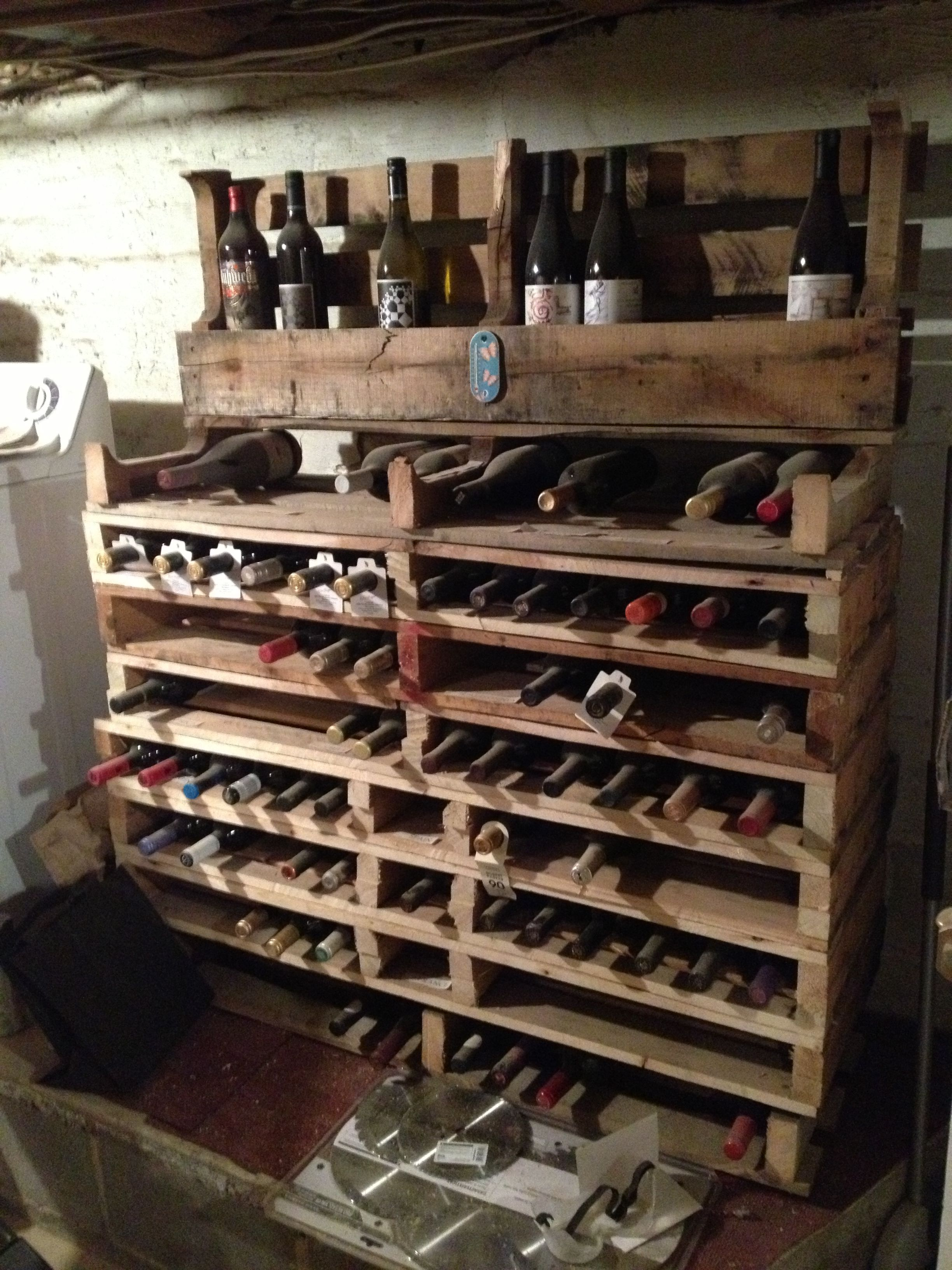 wine rack upcycled pallets a faire pinterest casier a bouteille casier et bouteille. Black Bedroom Furniture Sets. Home Design Ideas