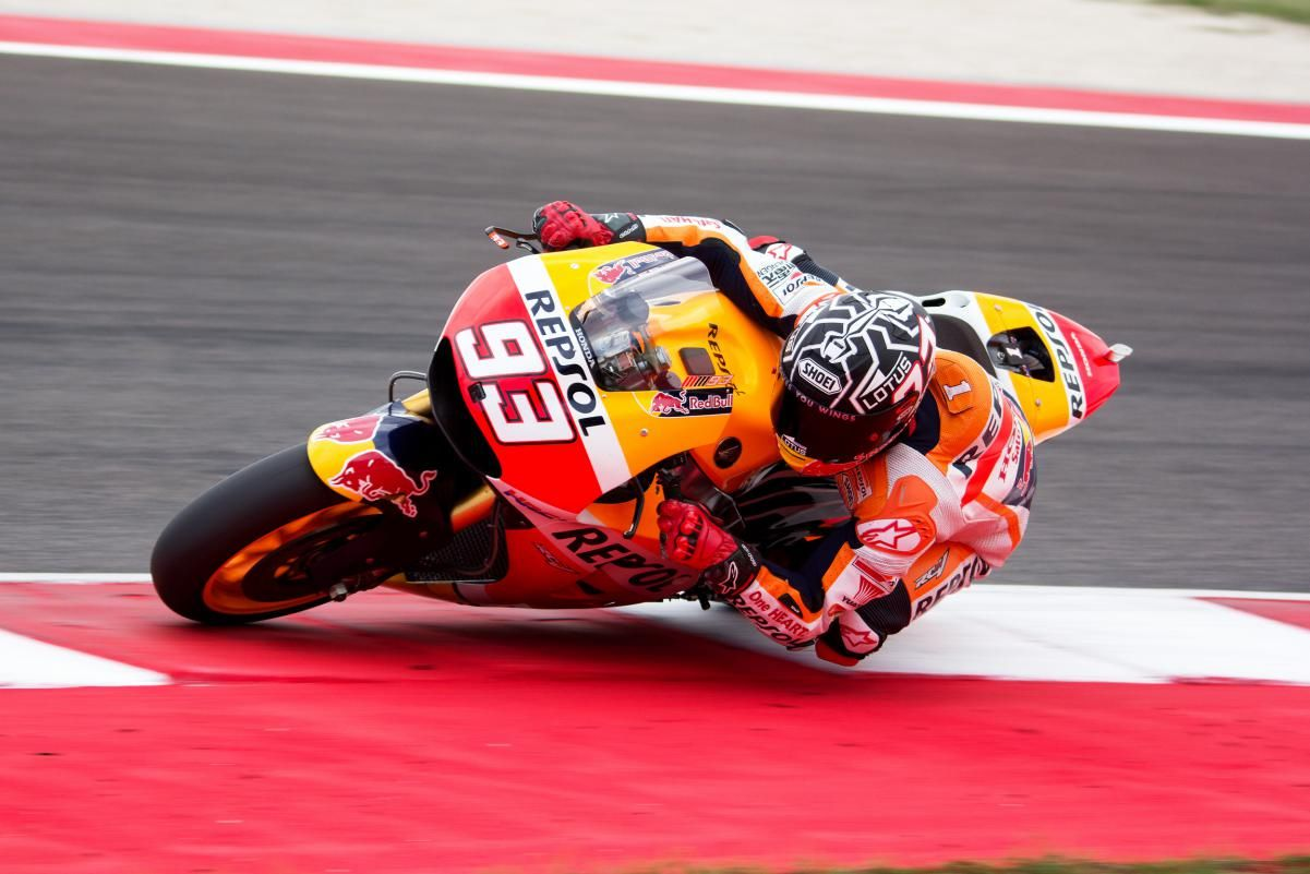 Motogp marc marquez breaks left hand while training undergo surgery in barcelona