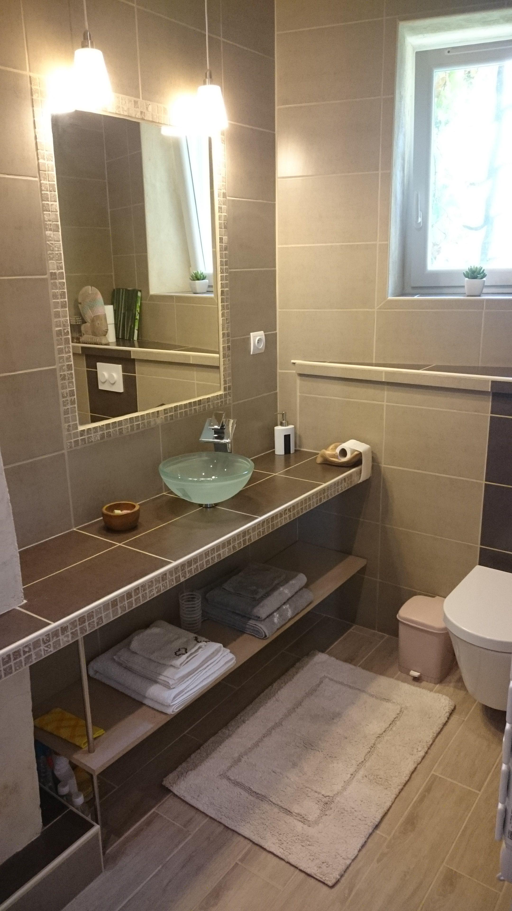 Salle de bain de ma chambre parentale coin vasque miroir - Vasque sur plan de travail salle de bain ...