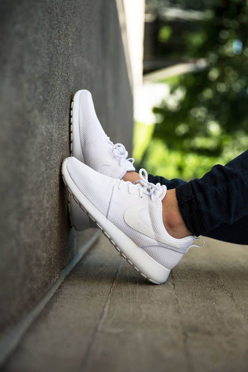 Best 25 All White Nike Shoes Ideas On Pinterest White
