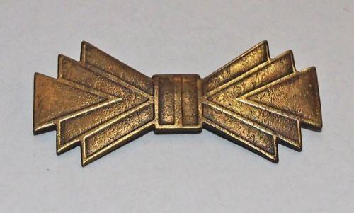 Vintage-Art-Deco-Geometric-Bow-Pin-Brooch-Antiqued-Brass-56-x-26-mm