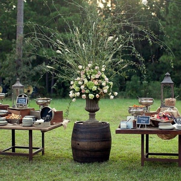 Wedding Wednesday :: Urns full of Flowers