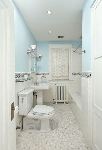 White And Light Blue Bathroom Tile Clean And Fresh Looking Gray And White Bathroom Traditional Bathroom Blue Bathroom Tile