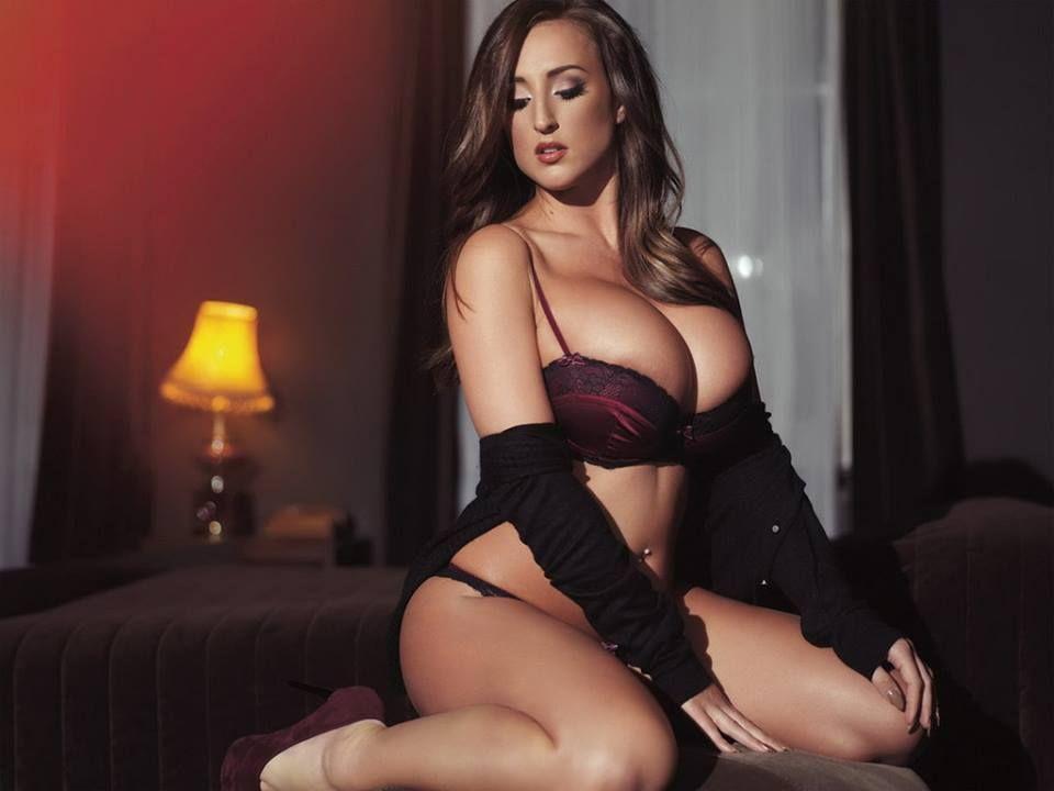 Sexy Big Mature Moms Ass