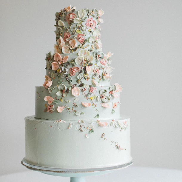 13 Wedding Cake Photos That Ll Make You Want To Get Married Tomorrow Delicate Details Cynthia Irani In 2020 Modern Wedding Cake Wedding Cake Photos Wedding Cake Prices