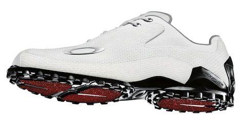 Oakley designs the world's lightest golf shoe.  http://shoes.tv/worlds-lightest-golf-shoe-90869