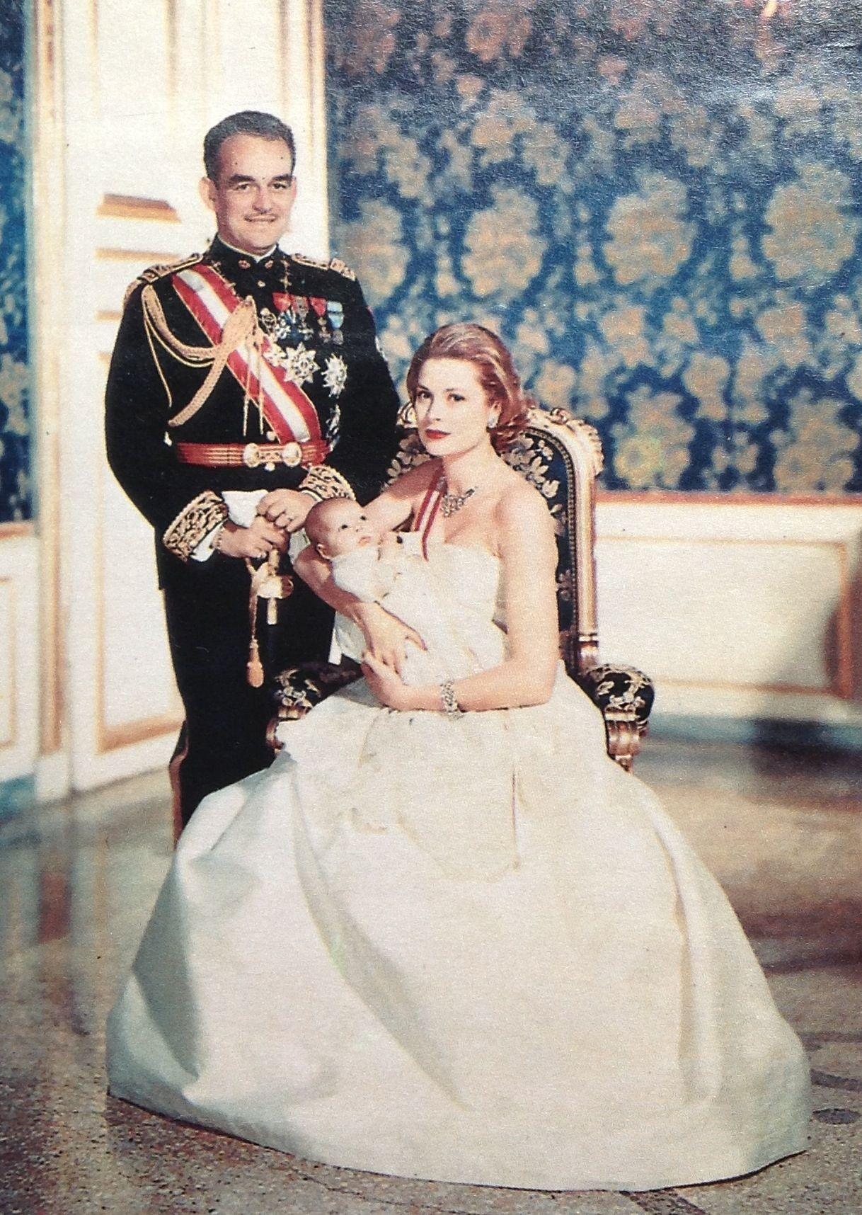 Monaco Royal Family 1957 Princess Grace Kelly Grace Kelly Wedding Grace Kelly [ 1716 x 1218 Pixel ]