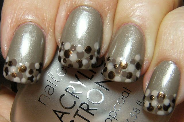 Neutral Dot Nails