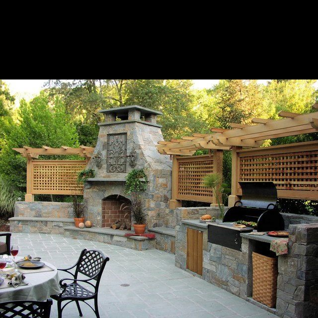 That's what I'm talkin' about...except without the pergola top.