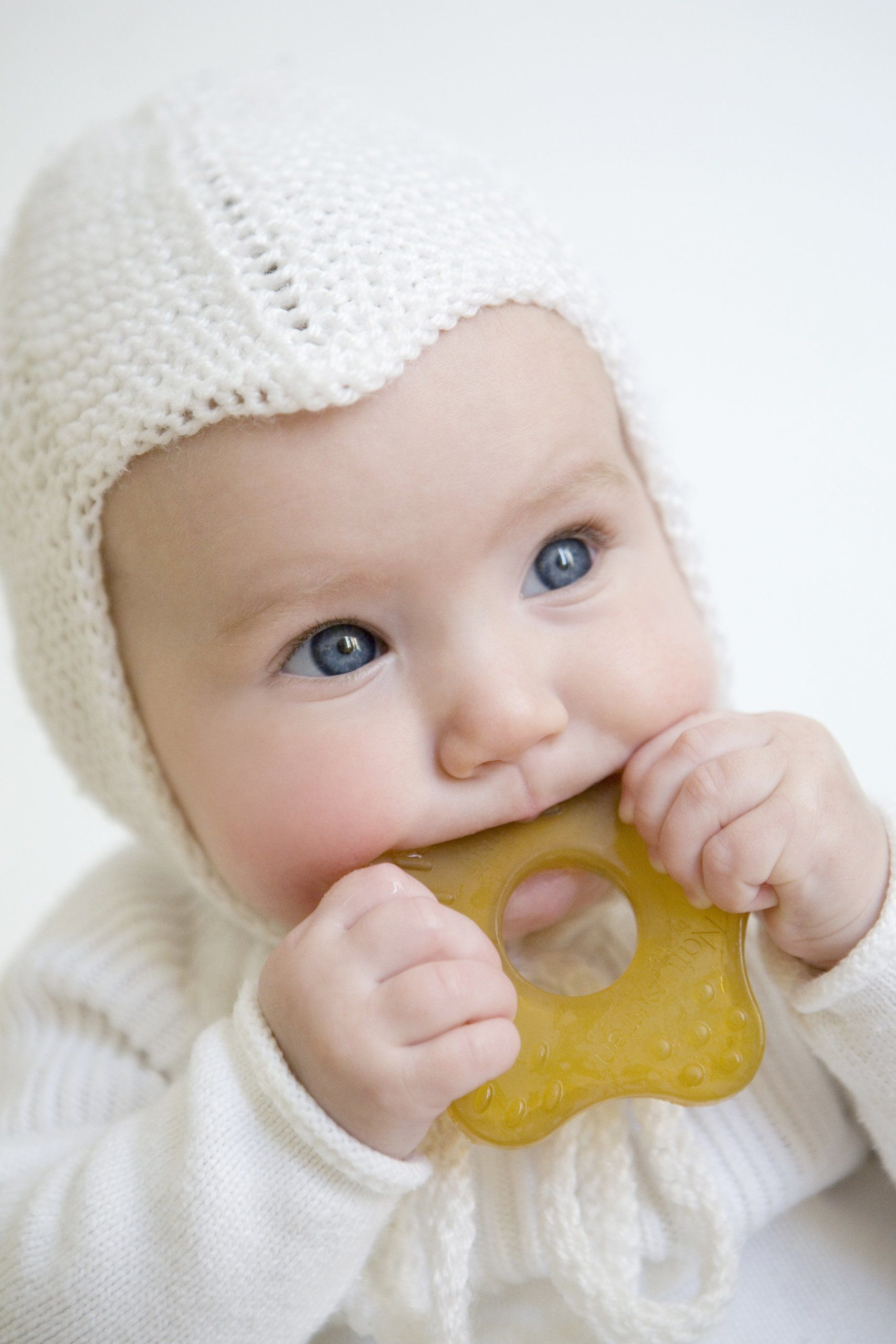 PINK BABY TEETHING TEETHER RING-BPA SAFE Refrigerate to cool FRUIT RING