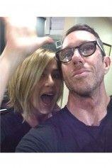 ENDLICH! Jennifer Aniston hat sich tatsächlich einen Bob schneiden lassen und zeigt ihn uns zum ersten Mal.