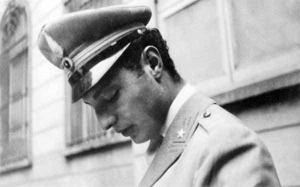 Gianni Agnelli in 2020 | Gianni agnelli, Gianni, Italian style