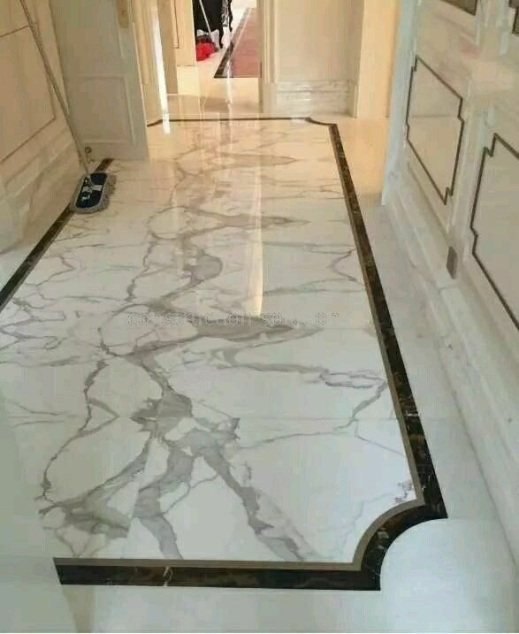Construction Border Design Marble Floor White Showroom