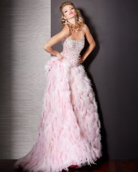 Would make an awesome second dress!! White? Or maybe pink...hahah