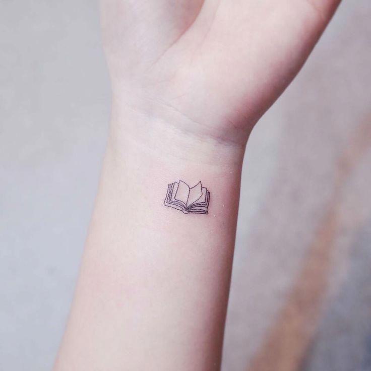 Épinglé par Christopherely sur Tatouage homme en 2020 | Modele tatouage, Minuscules tatouages ...