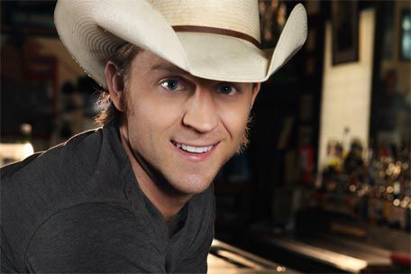 Justin Moore <3 freaking GORGEOUS!