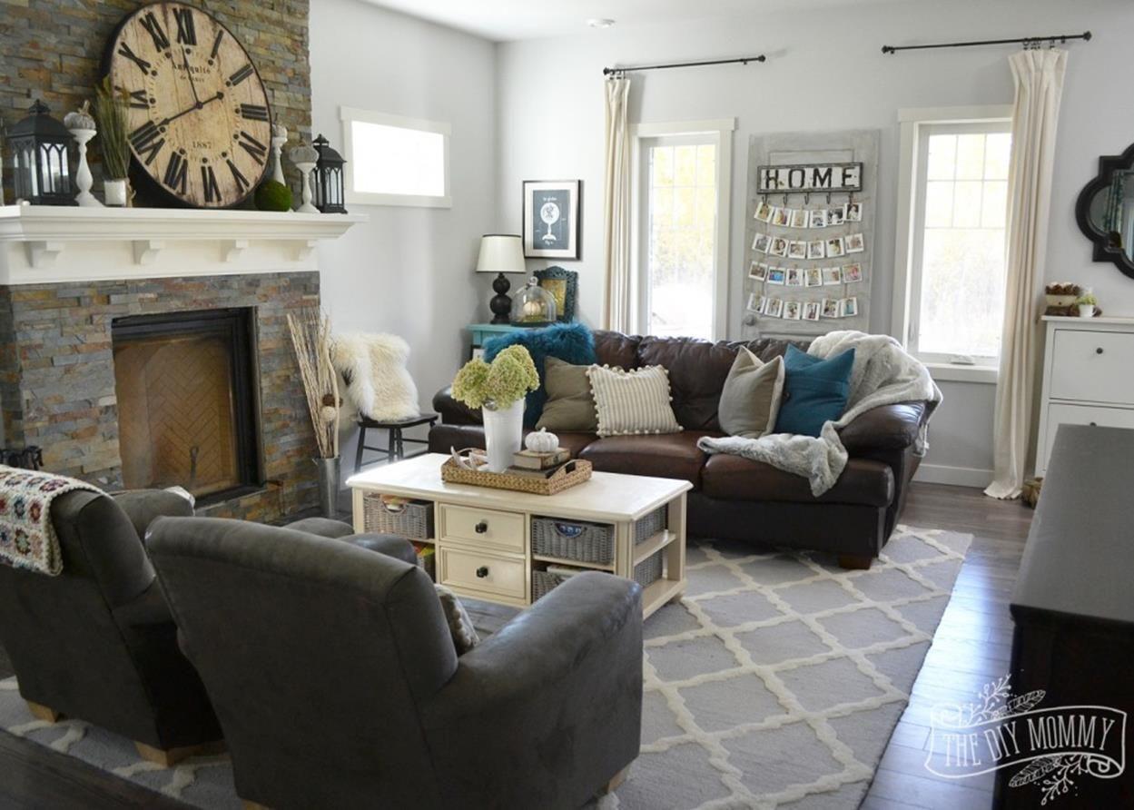 37 Cozy Farmhouse Living Room Grey With Teal Decorations Ideas Brown Living Room Brown Living Room Decor Teal Living Rooms #teal #living #room #decorating #ideas