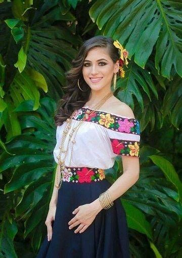 48b787558f5 Diseños de blusas artesanales bordadas para mujeres de hoy