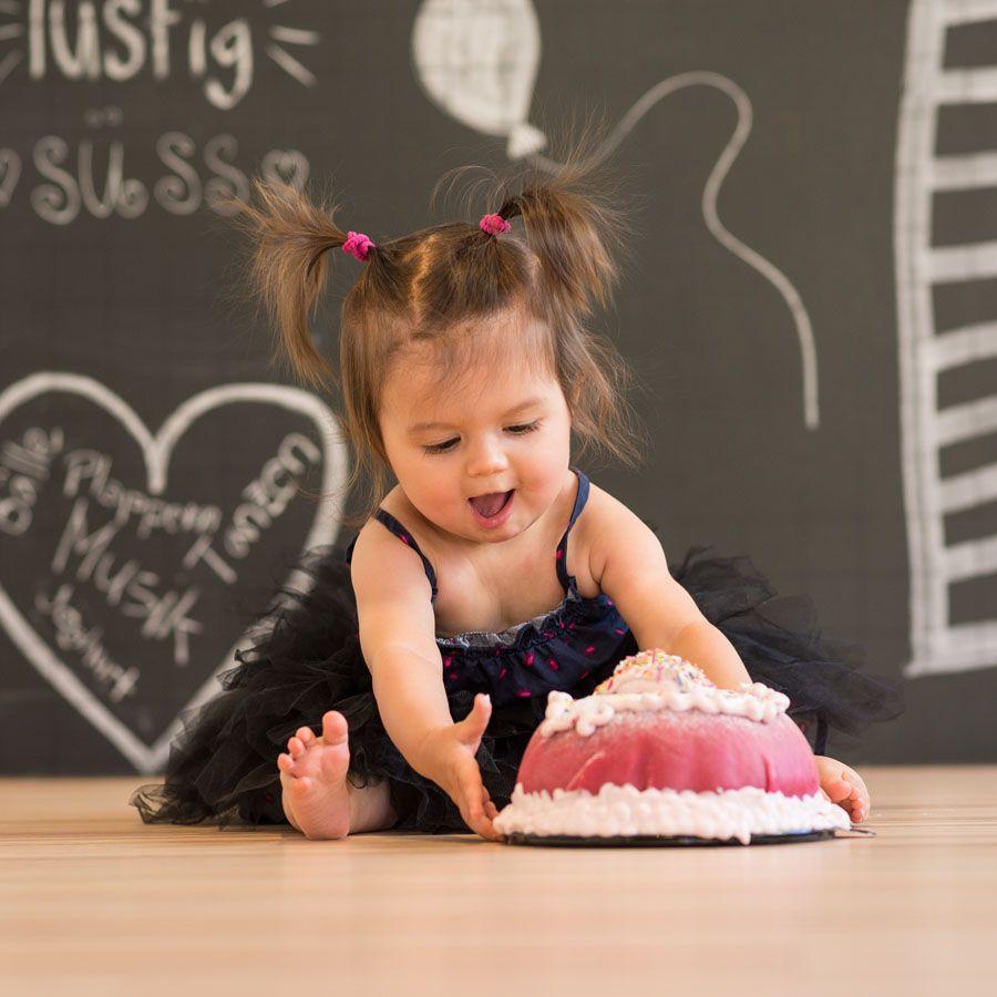 Smash the Cake mit der kleinen Neela Liel 1 Jahr alt