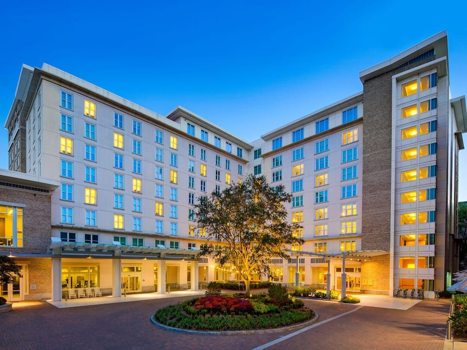 Relax And Unwind In Downtown Charleston In The Heart Of The Historic District Enjoy In 2020 Downtown Charleston Hotels Charleston Historic District Charleston Hotels