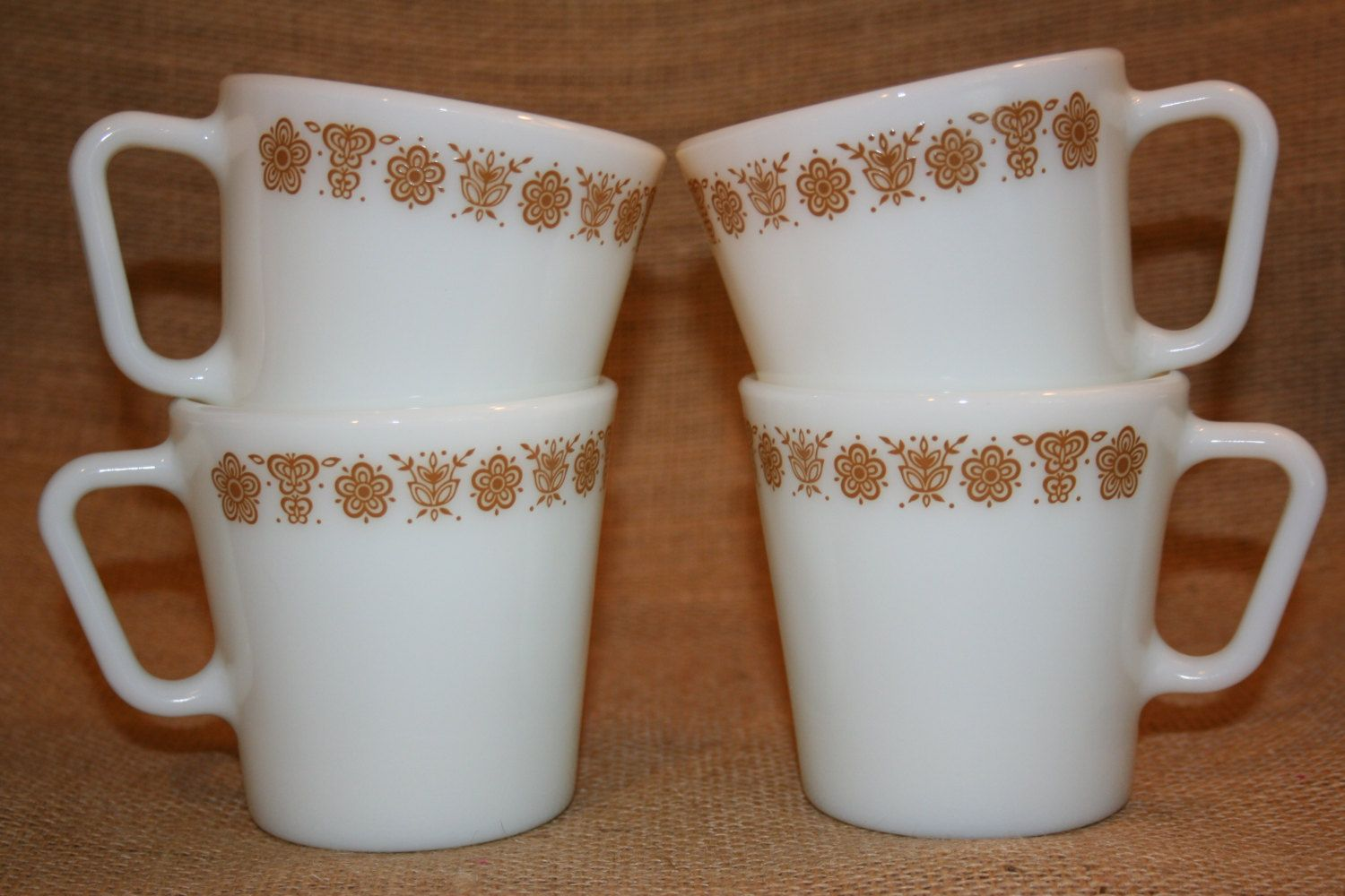 Vintage Pyrex Coffee Mugs Tea Cups Set of 4 Butterfly Gold Pattern