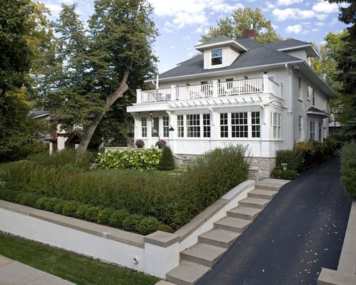 Driveway Ideas Up A Hill Google Search Traditional Exterior Driveway Design White Exterior Houses