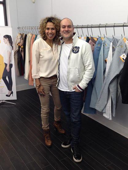En Direct Au Showroom Yoga Jeans Isabelle Racicot De Ca Finit Bien La Semaine A Tva Yoga Jeans Bomber Jacket Fashion