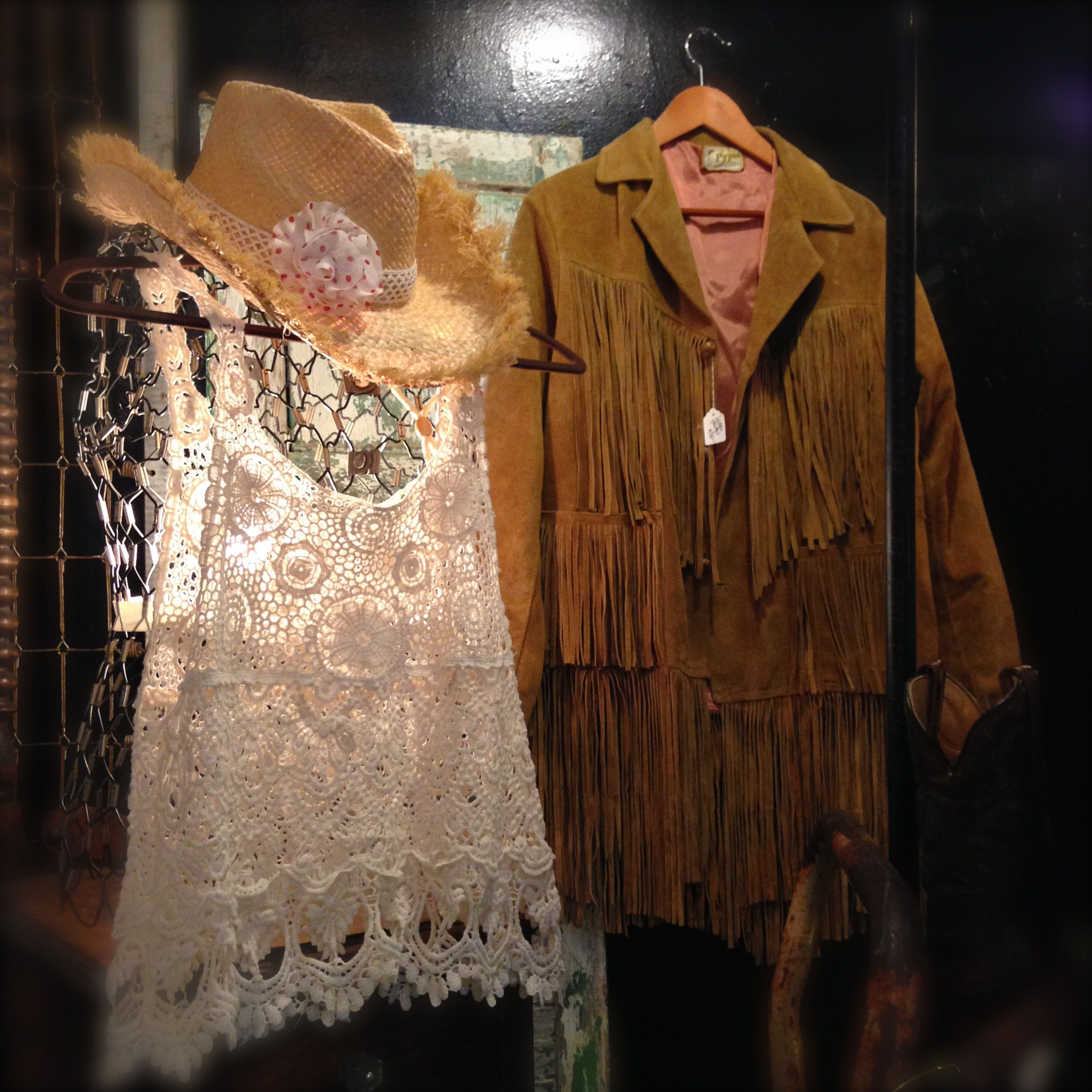 Leather and lace www.zen-cowgirl.com #zencowgirl #fringe #lacetank