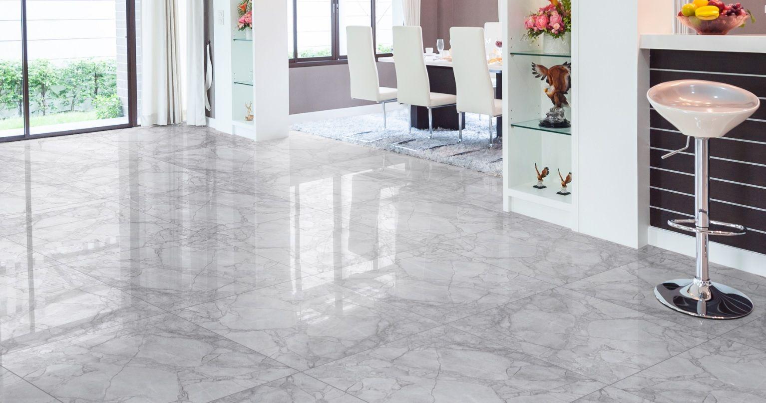 El color blanco en la pared y el gris en el piso hacen una for Pisos de madera color gris