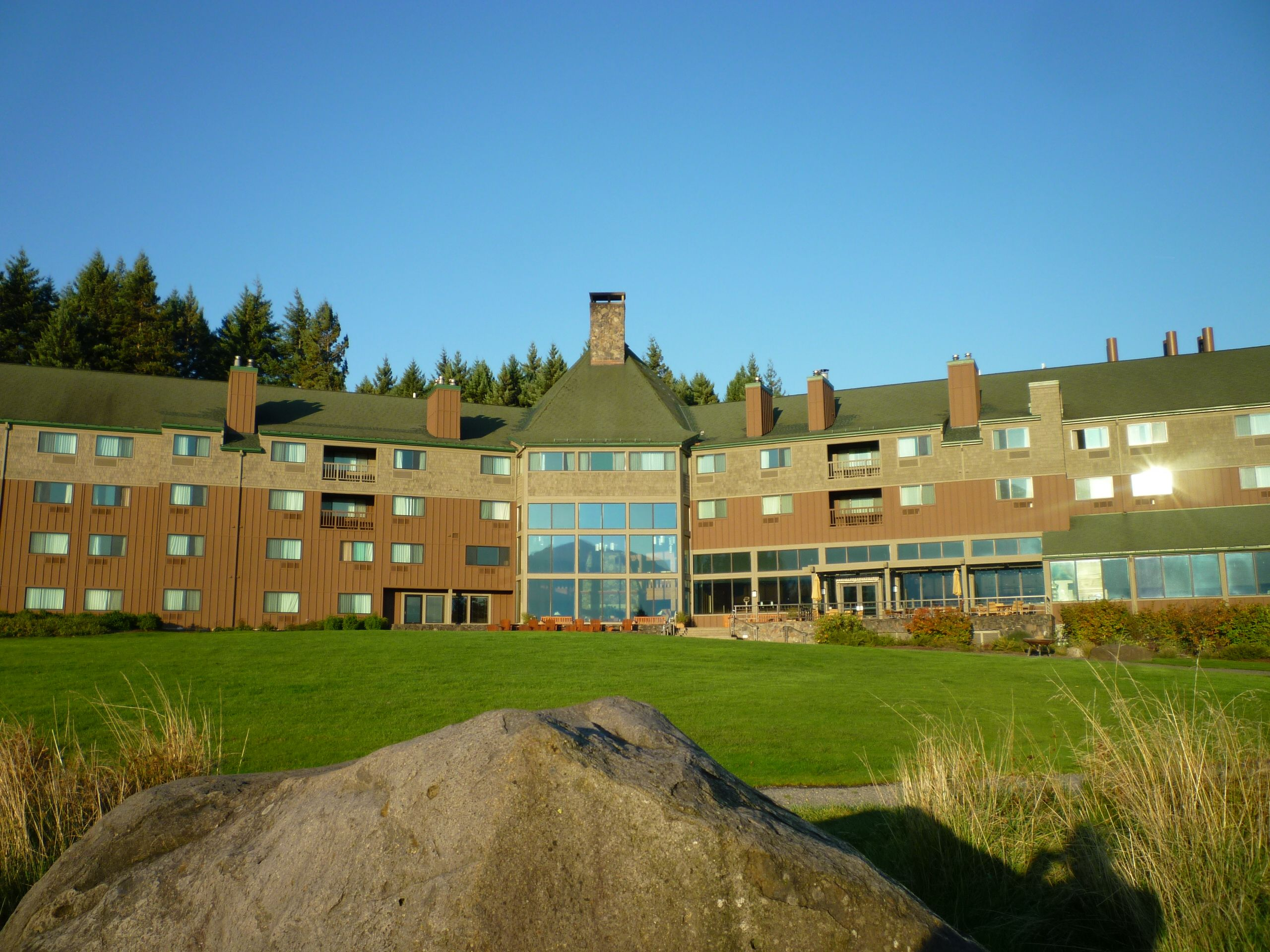 Great Lodge In The Columbia River Gorge Snia
