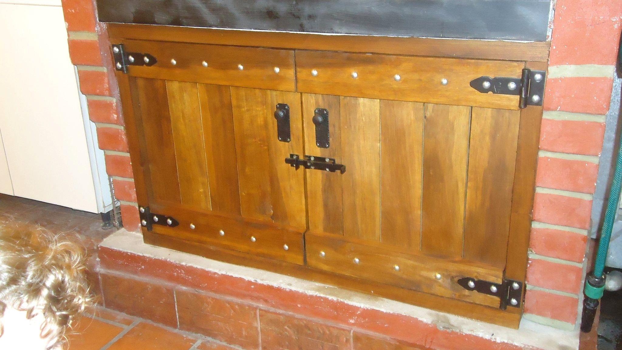Puertas para la parrilla parrilla madera y puertas de for Como hacer una puerta con machimbre