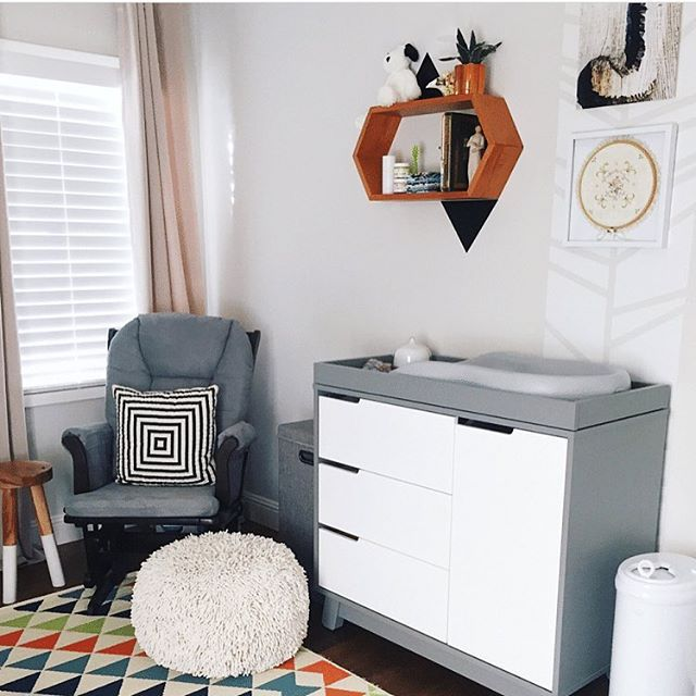 We love the playful, mod styling of this sweet nursery. (Changer/Dresser + matching crib available in the Project Nursery Shop)  Image by @_getrealbeauty_