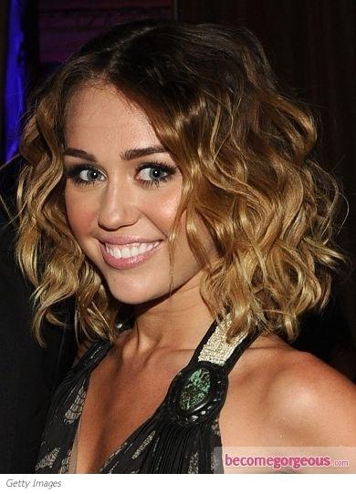 Miley Cyrus Loose Curly Bob Hairstyle Miley Cyrus Zimbio