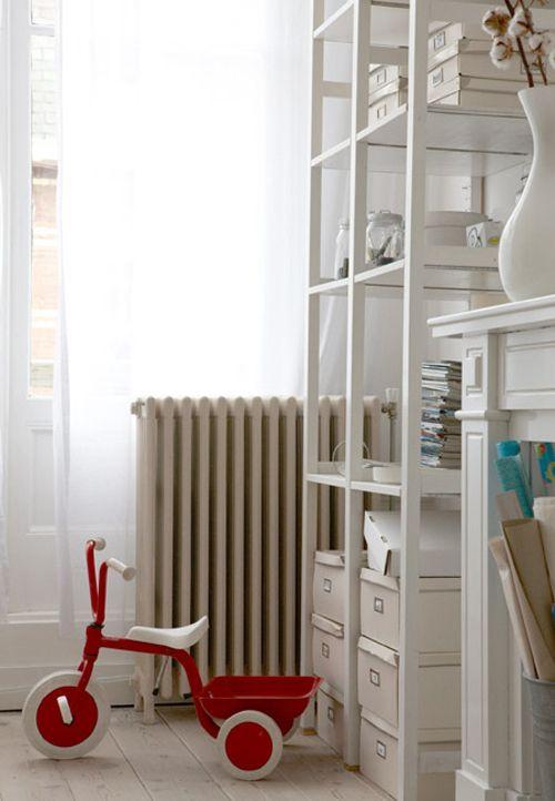 ivar im flur pimpen b cherregal. Black Bedroom Furniture Sets. Home Design Ideas