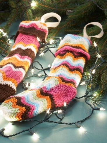 Free Pattern - Match your stockings perfectly to your home decor ...