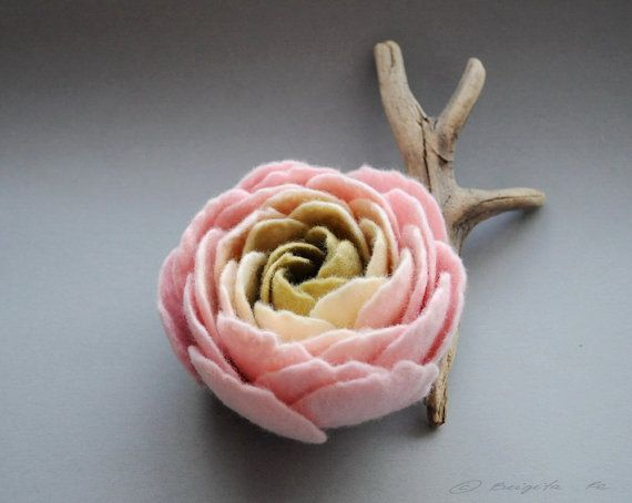 Felt Ranunculus Flower Brooch Sweet Pink Cream Olive Green Ranunculus Felt Flower Brooch Made To Order Felt Flowers Felt Flowers Diy Felt Diy
